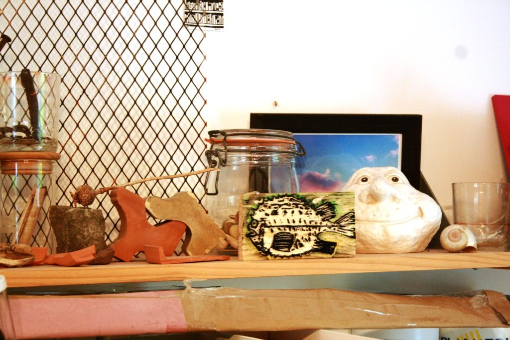 relics and finds in Kurzke's studio